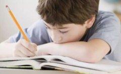 孩子没考好家长们的做法影响的是孩子一辈子